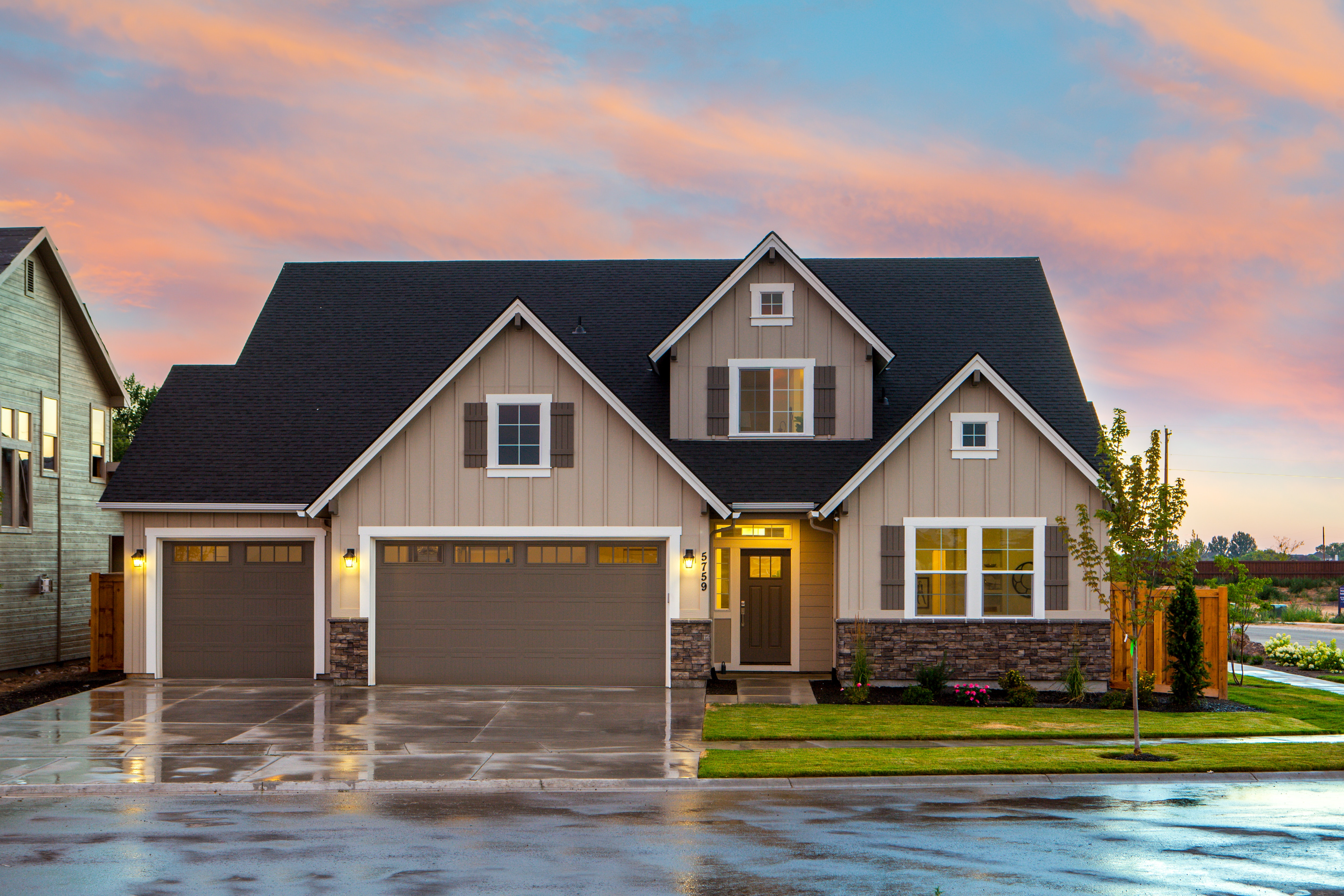 Mortgage Rates Plunge to 8-Year Low Amid Coronavirus Fears