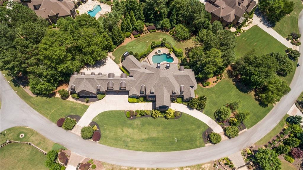 Call us to Scheduling a Showing for Matt Bryant's House in the Legends of Chateau Elan
