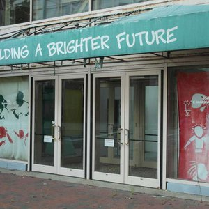SF empty storefront - Photo by flickr user Aaron F. Stone.jpg