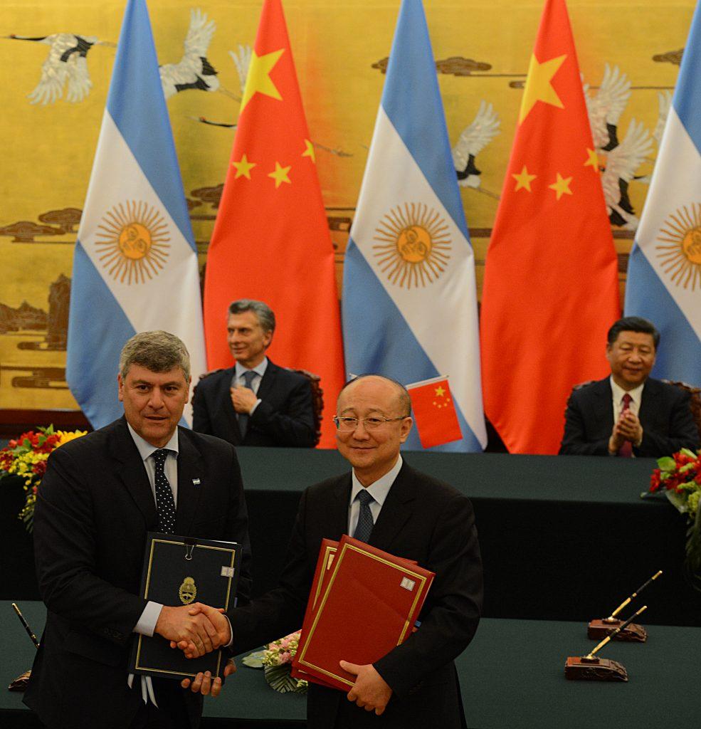 Argentina: Ministro Buryaile selló el acuerdo para la exportación de uvas a China