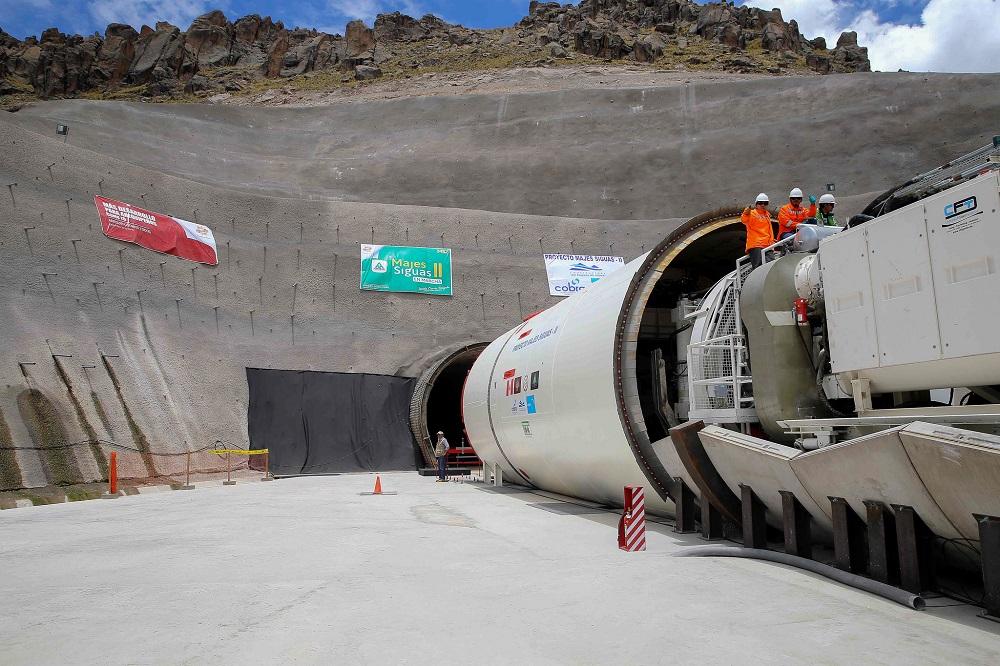 Túnel bajo los Andes permitirá cultivar 38.500 hectáreas en zona desértica del sur de Perú