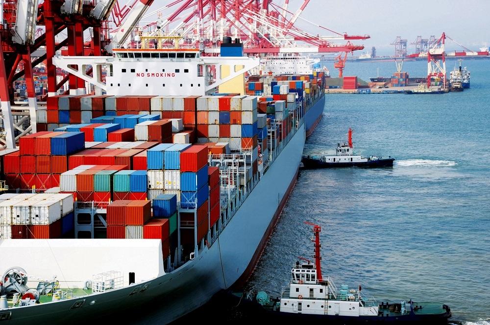 Exportaciones chinas repuntan a 32,2% en junio de 2021