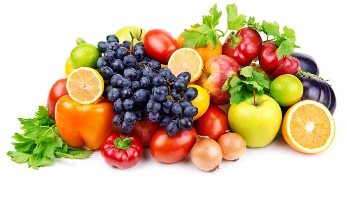 Covid-19 : Especialista explica por qué es necesario desinfectar frutas y verduras y entrega recomendaciones