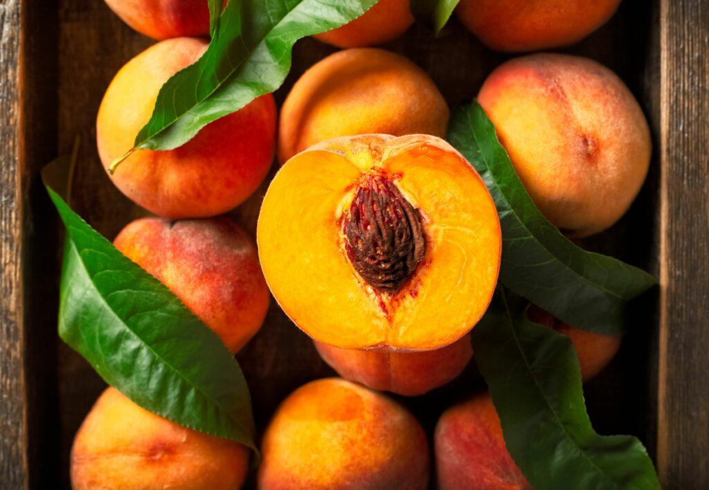Campaña de frutas de hueso en España comienza con comercialización en Murcia y Andalucía
