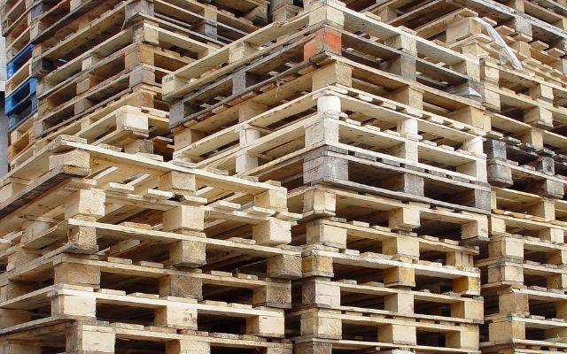 Aguda escasez de pallets pone en riesgo el suministro de productos frescos en América del Norte