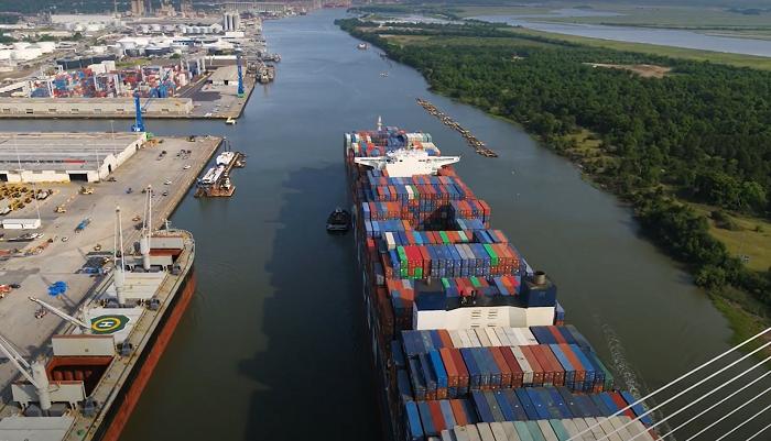 Video: Puerto de Savannah recibe el buque más grande en hacer escala en la costa este de EE.UU.