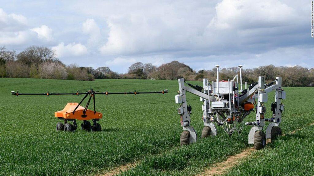Los nuevos robots agrícolas eliminan las malas hierbas con electricidad