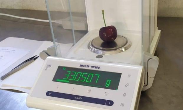 Italia establece récord de cereza más pesada del mundo