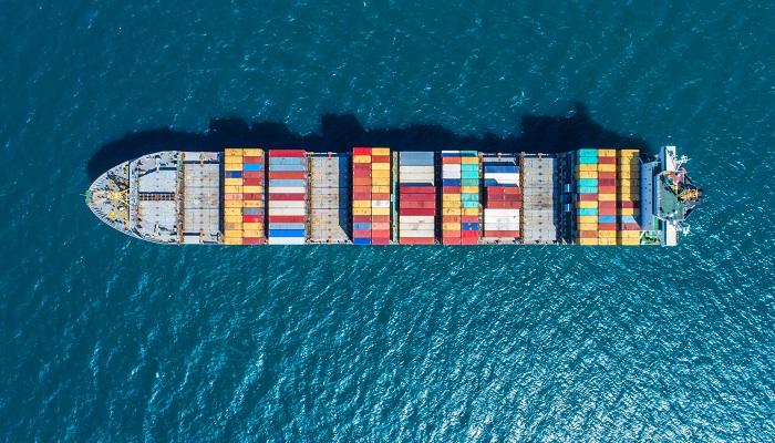 Canal de Suez cierra primer semestre con crecimiento del 2,3% en cruce de buques