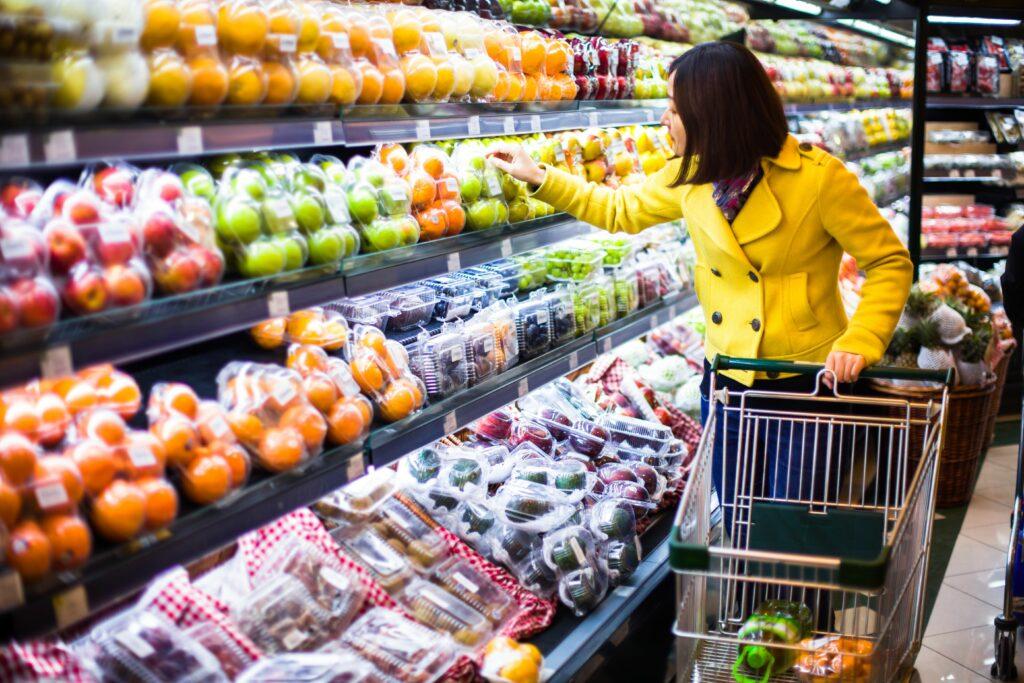 Tras un año de alzas, el índice de precios de los alimentos de la FAO cae un 2,5 % en junio