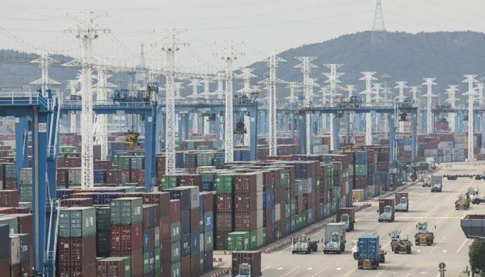 Comercio mundial en riesgo: China cerró parcialmente tercer puerto de contenedores más grande del mundo