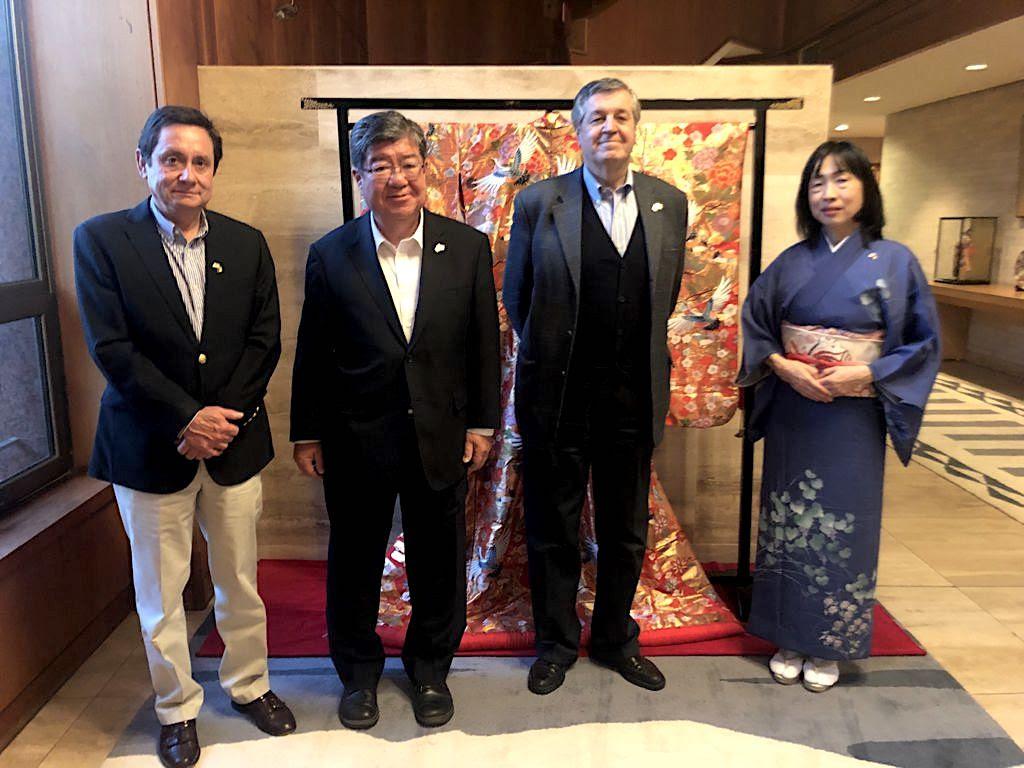 ASOEX y Embajador de Japón analizan exportaciones de frutas y apertura para las manzanas chilenas