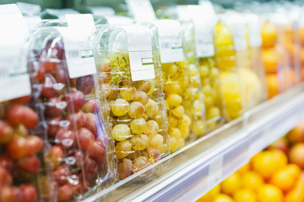 Francia prohibirá los envases de plástico para frutas y hortalizas desde enero de 2022