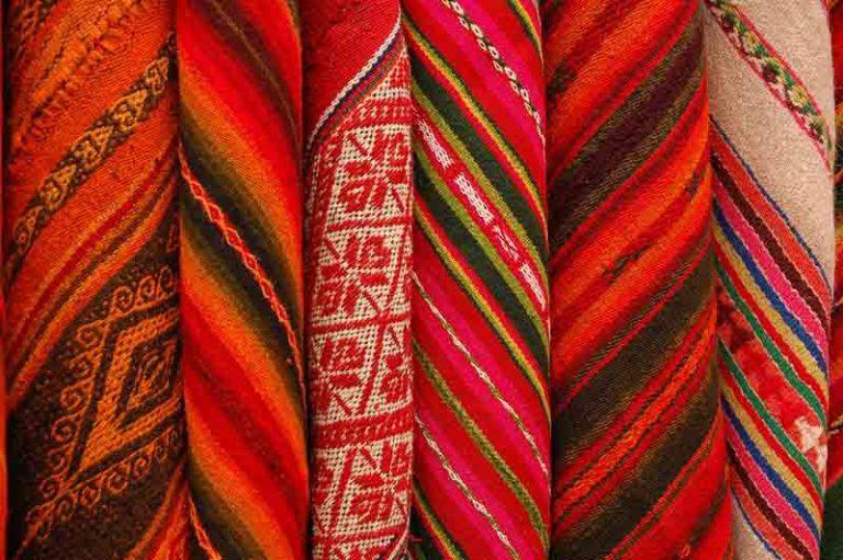 Check Out the Chincheros weaver market | Peru