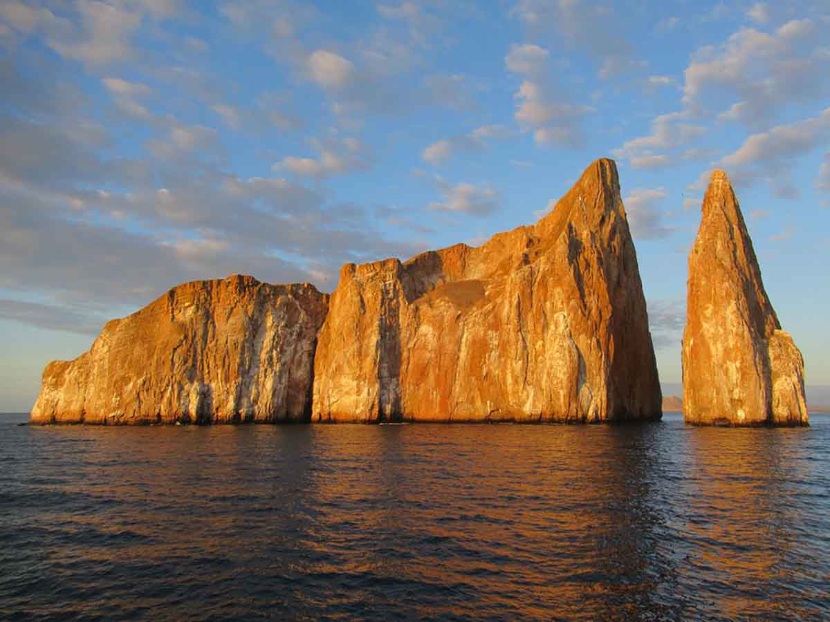 Elite Catamaran 5 Day Luxury Cruise Galapagos North Islands