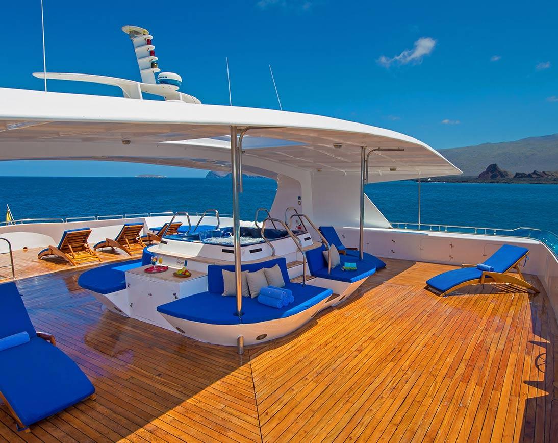Cormorant Catamaran |  Galapagos Cruises