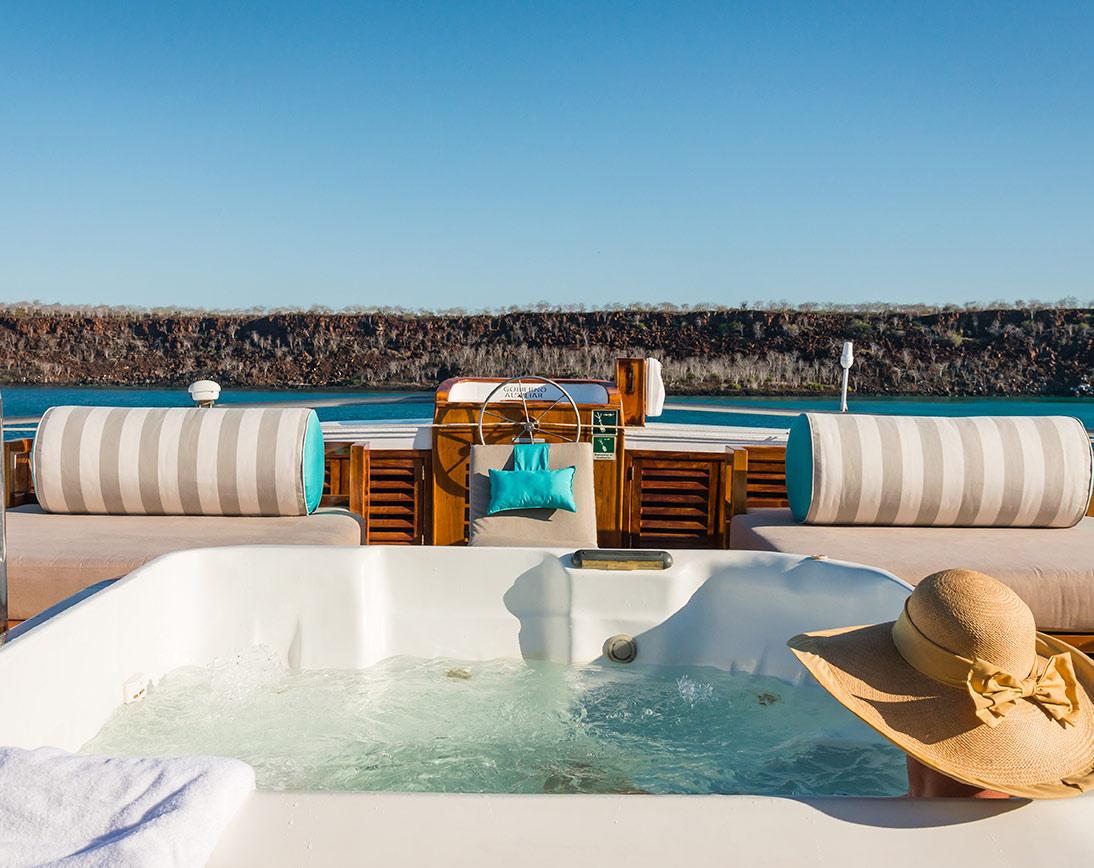 Sea Star Journey Yacht    Galapagos Cruises