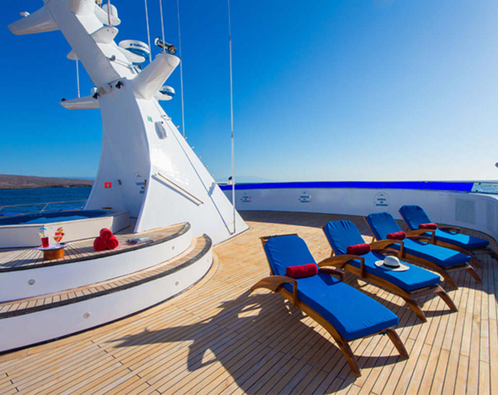 Ocean Spray Catamaran    Galapagos Cruises