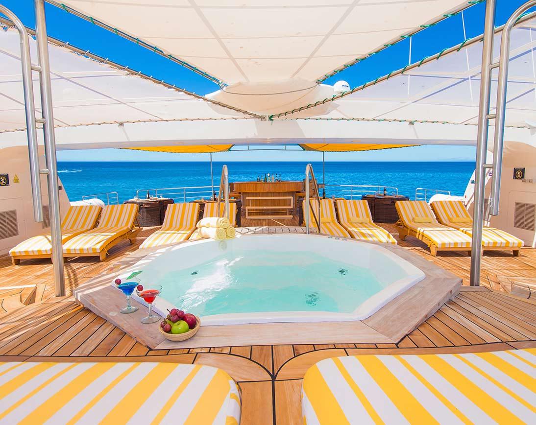 Petrel Catamaran |  Galapagos Cruises