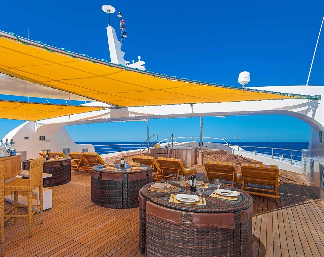 Spacious Sun deck