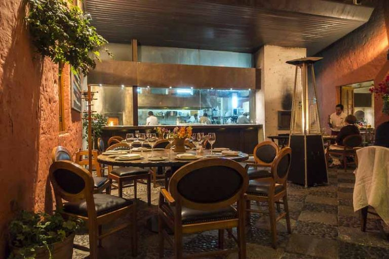 Eat Lunch at Local Menú Restaurants | Peru