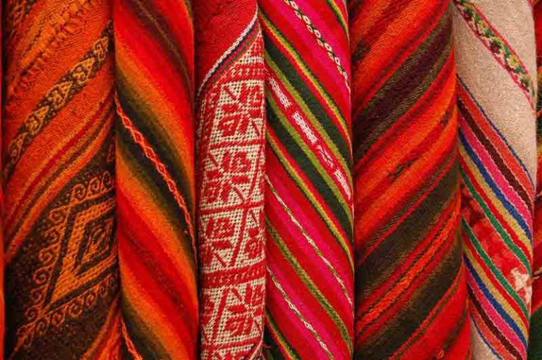 Check Out the Chincheros weaver market   Peru