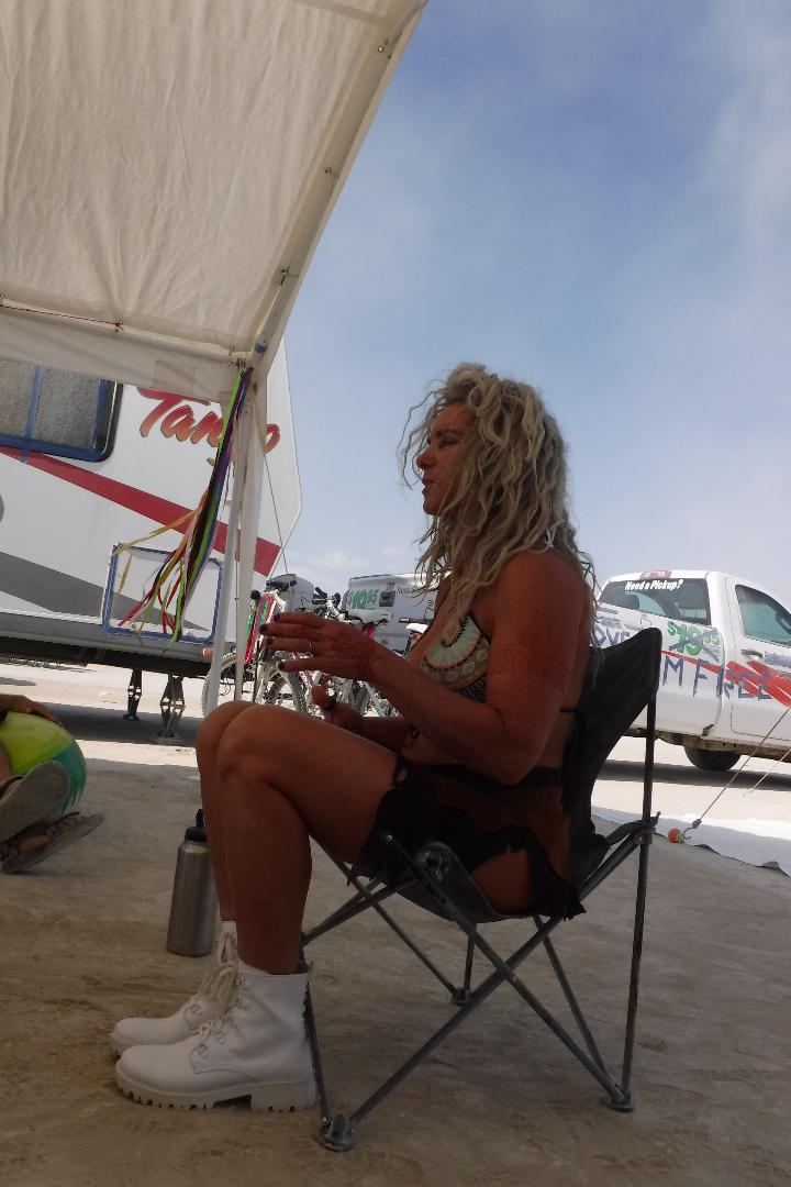 Toni teaching at her Keto Camp
