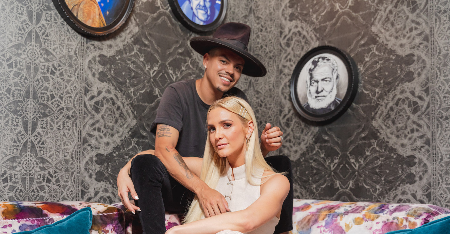 Saving Evan Mother And Son Navigate >> Ashlee Simpson Ross And Evan Ross Share The Love And Inspiration