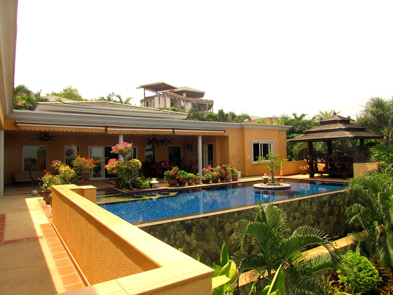 Five bedroom  house for Sale in East Pattaya