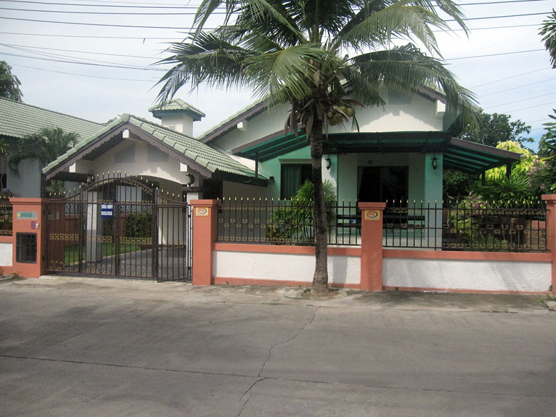 Two bedroom  house for Sale in East Pattaya