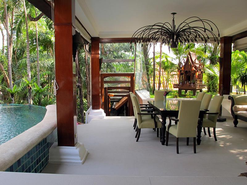 Beautiful  Tropical Style Villa in Jomtien
