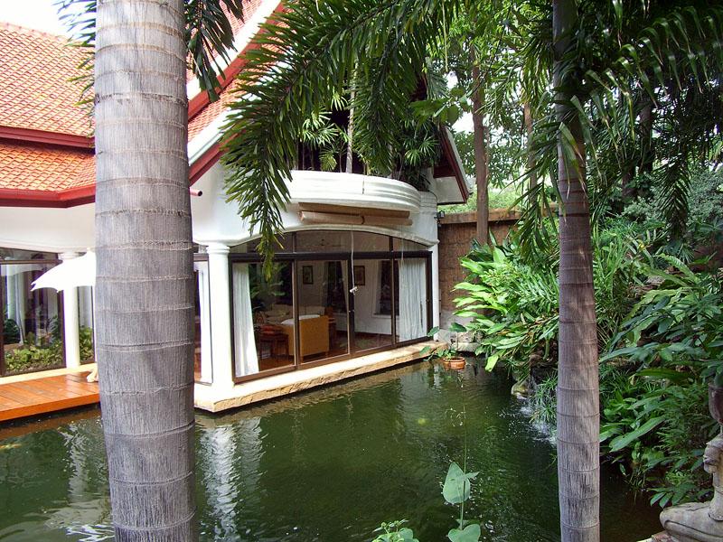 Four bedroom  house for Sale in Jomtien
