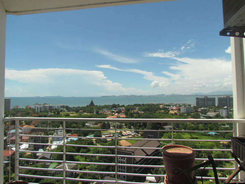 One bedroom condo in Wong Amat