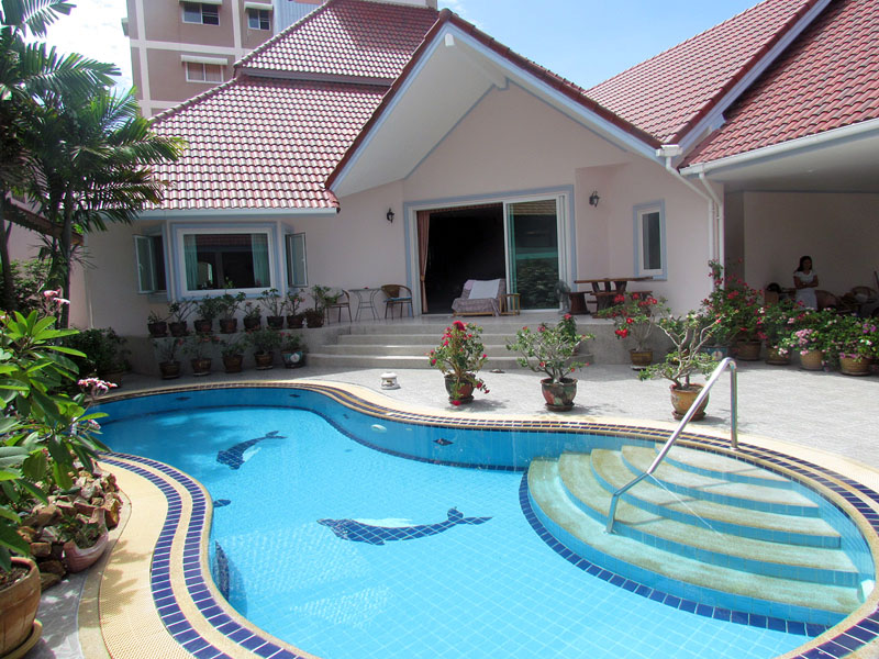 Three bedroom  house for Sale in Pratumnak