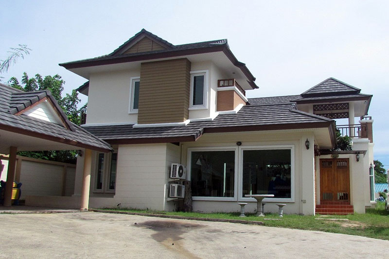 Four bedroom  house for Sale and Rent in East Pattaya
