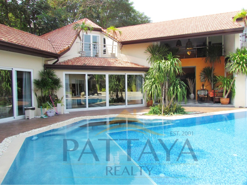 Four bedroom  house for Sale in Pratumnak
