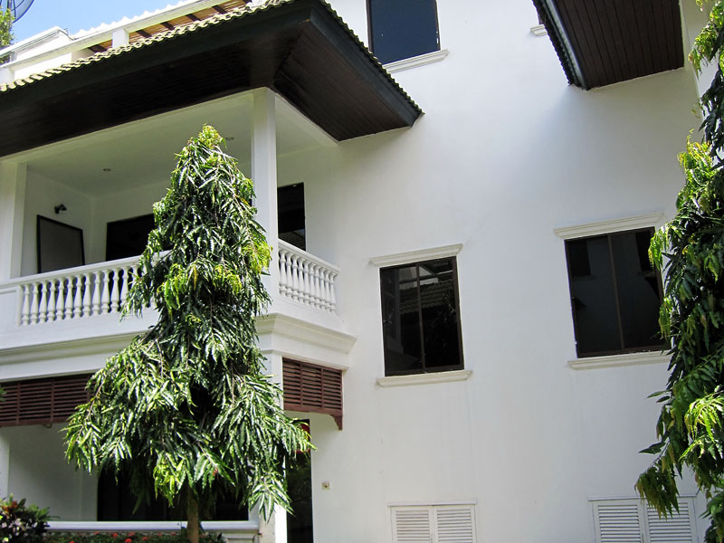 Three bedroom  townhouse for Sale in Baan Amphur
