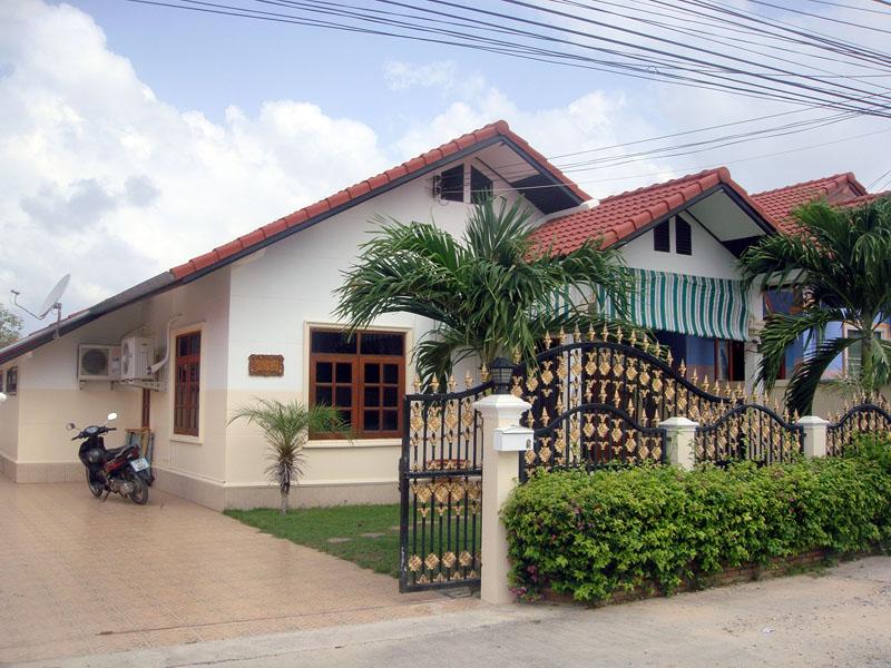 Two bedroom  house for Rent in East Jomtien - Huay Yai