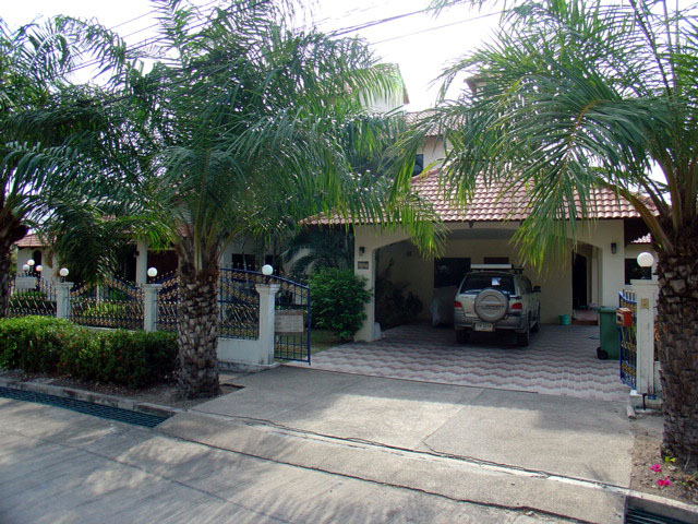 Five bedroom  house for Sale in East Jomtien - Huay Yai