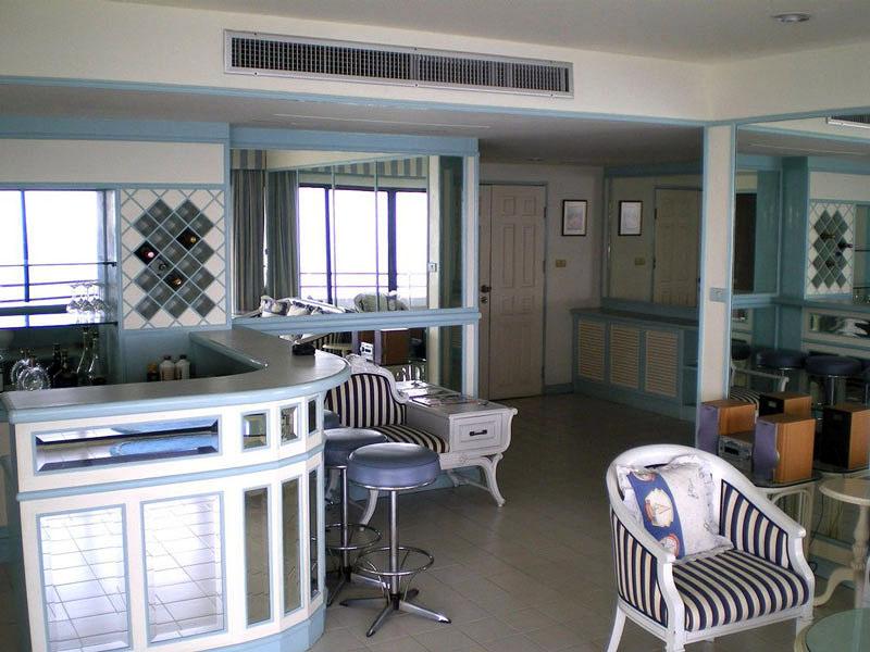 Three bedroom  condo for Sale in Baan Amphur