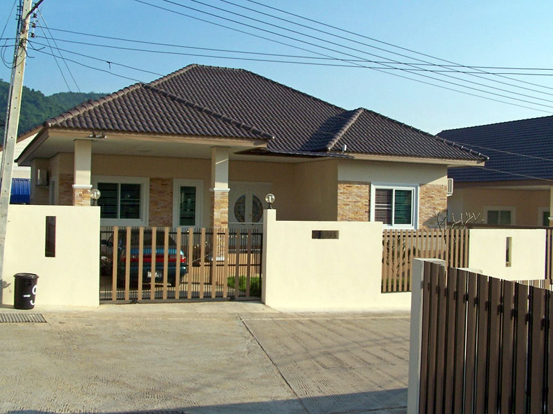 Two bedroom  house for Rent in Sattaheep