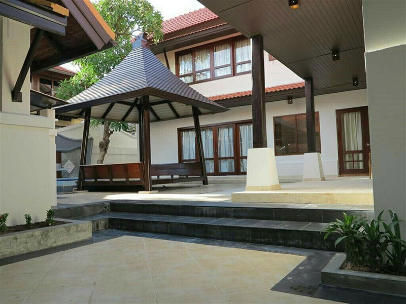 Four bedroom  house for Rent in Pratumnak
