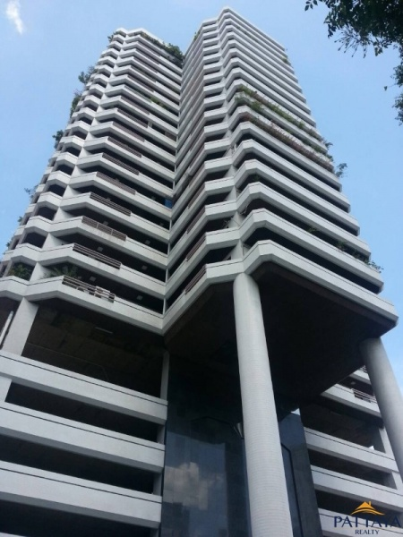 Three bedroom  condo for Rent in Bangkok