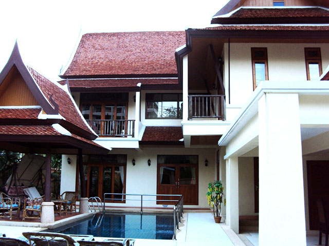 Three bedroom  house for Rent in Pratumnak