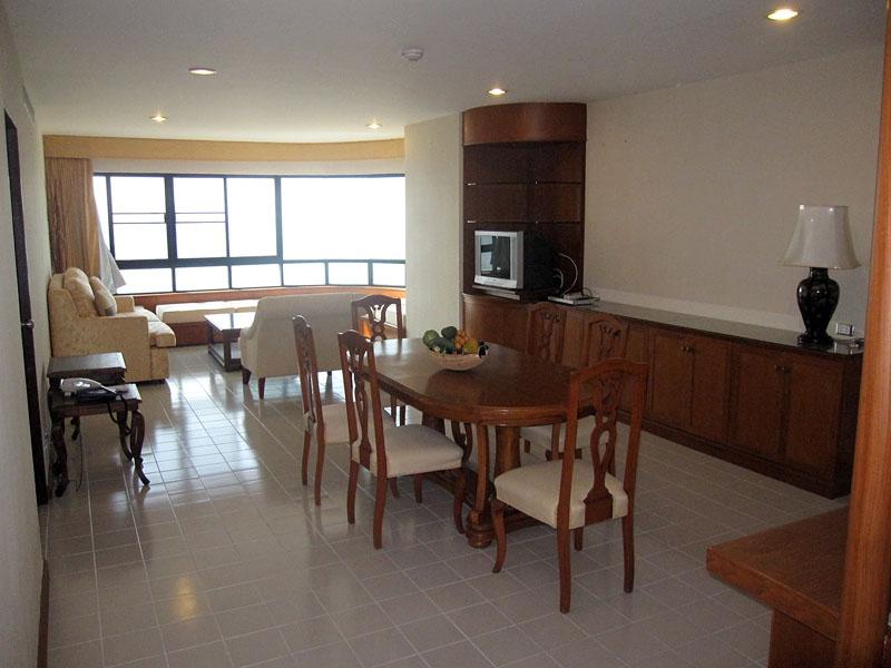 Three bedroom  condo for Rent in Baan Amphur