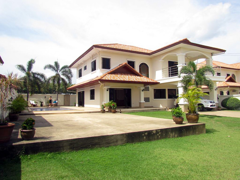 Four bedroom  house for Rent in Mabprachan - Pong