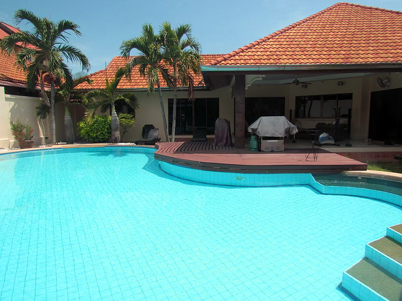 Three bedroom  house for Sale in Mabprachan - Pong