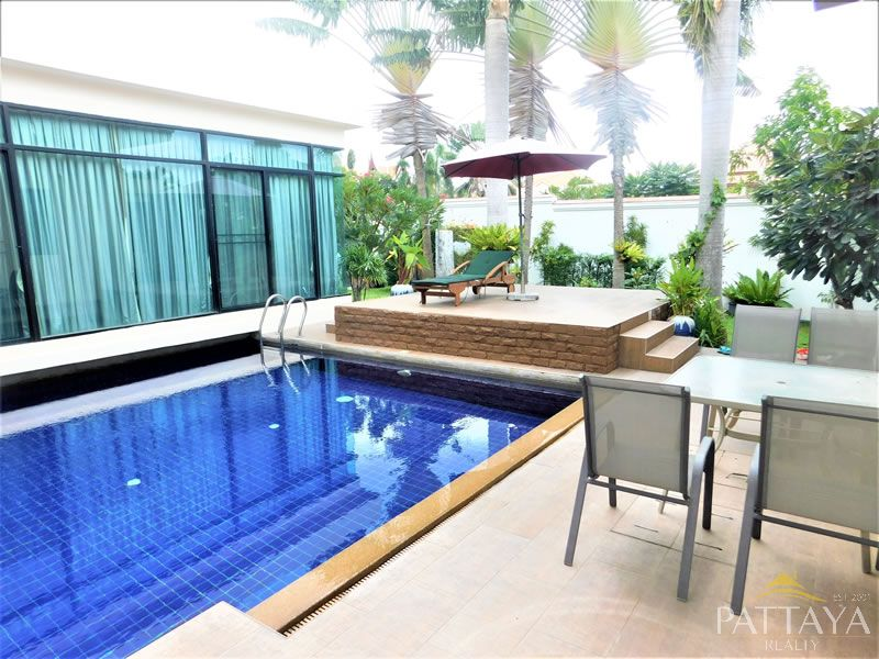 Five bedroom  house for Sale and Rent in East Pattaya