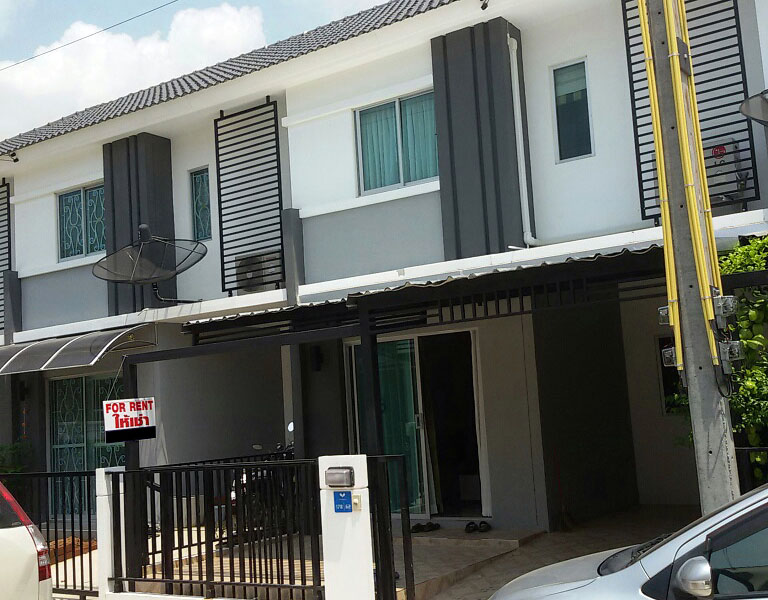 Three bedroom  townhouse for Sale and Rent in East Pattaya