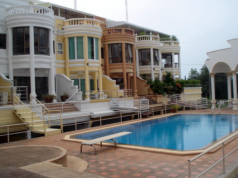 Five bedroom  house for Sale in Pratumnak
